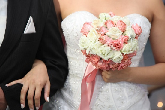 wedding-dress-615546_1280