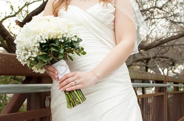 bride-845727_640