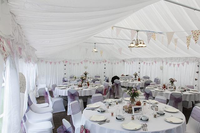 marquee-wedding-1070211_640