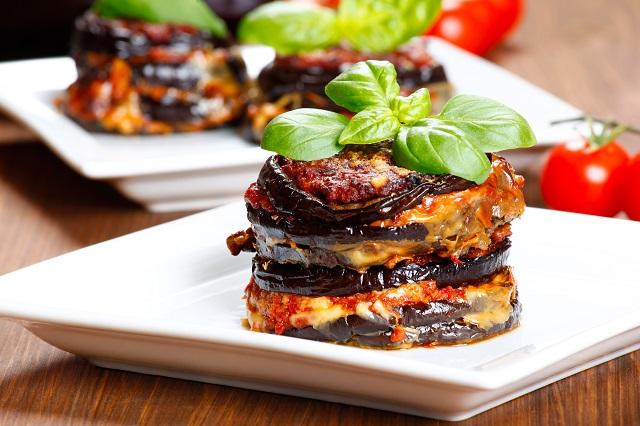 Parmigiana di melanzane: baked eggplant - italy, sicily cousine